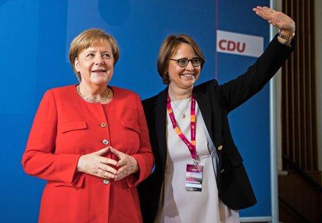 Die Frauenunion stellt sich hinter die Kandidatur von Generalsekretärin Annegret Kramp-Karrenbauer als neue CDU-Vorsitzende.